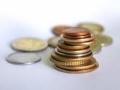 Emisiune numismatica: BNR a lansat in circuitul numismatic monede din aur si alama pentru colectionare si a pus in circulatie o moneda de alama cu tema Desavarsirea Marii Uniri - Regina Maria
