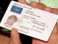 Se schimbă permisele de conducere